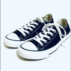 Converse All Star Low Top Unisex Sneakers Size 7